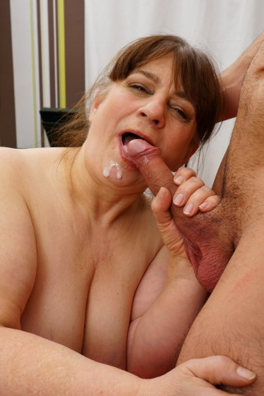 Chubby mature slut doing her young lover while her husbands at work