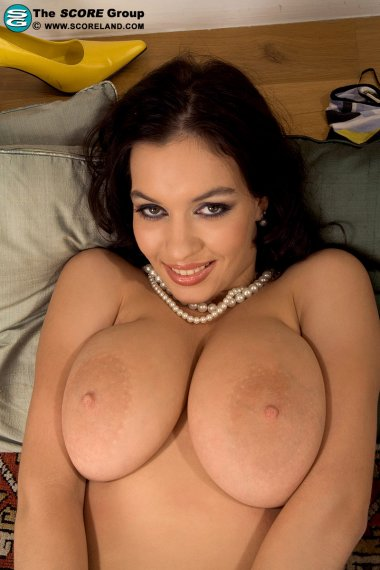 Beautiful big boobed babe fucking with a dildo