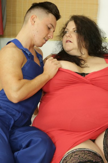 Mature big lady fooling around with her toy boy