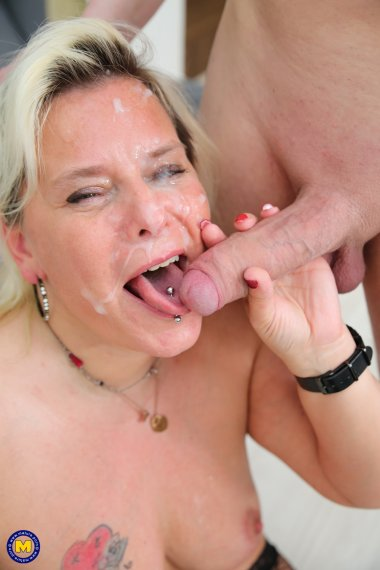 Mature teacher takes it up the ass from her student and his dad