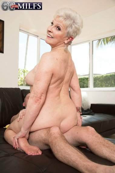 66-year-old Jewel And Her Son's 34-year-old Friend