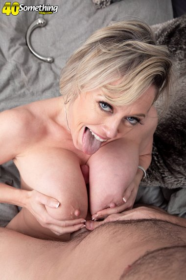 Cute sexy MILF Dee Williams sucking a big cock