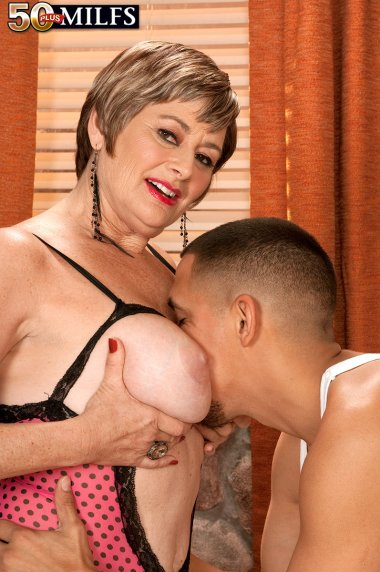 Naughty mature housewife sucking and fucking with young toy boy