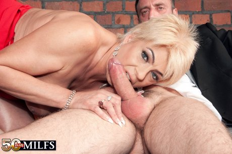 Blonde hot mature housewife fucking with lover