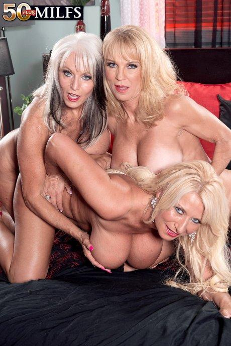 Three hot GILFs all in a row