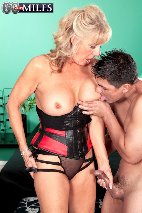 Hot MILF get anal fucked with her toy boy