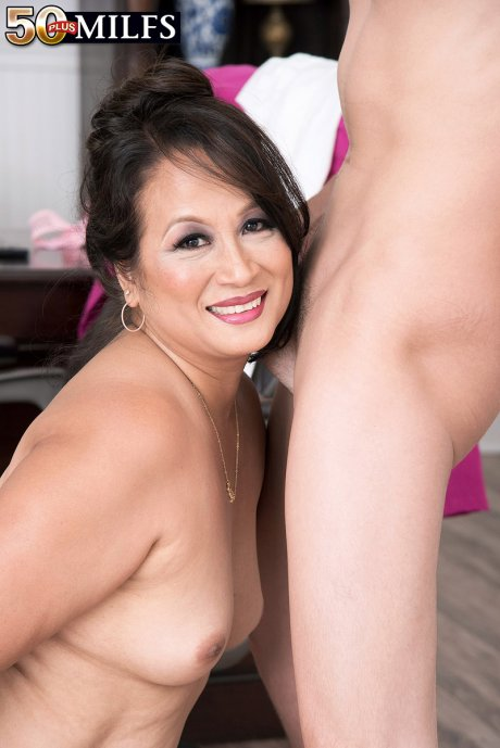 Horny MILF Maya Luna gets ass-fucked by a toyboy