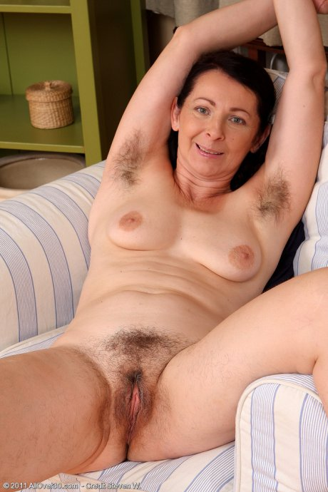 Smoking hot Anna B from AllOver30 showeing off her hairy pits and bush